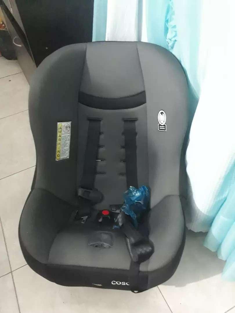 Asiento de bebe para auto 0