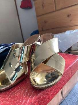Sabdalias de vestir doradas