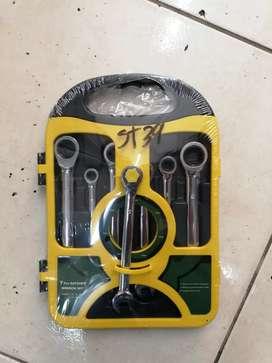 Juego de llaves mixtas en ratchet por 7 Unidades