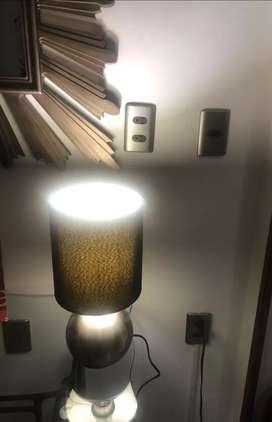 Lámpara para estudio o mesa de noche
