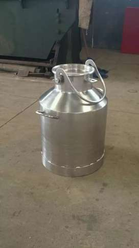Fabricamos tanque lecheros.