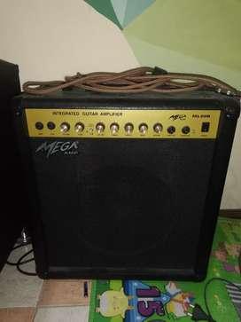 Amplificador Mega para guitarra eléctrica