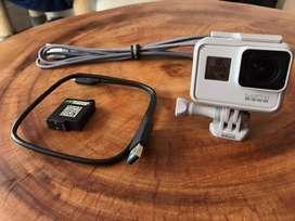 GoPro Hero 7 Black Edicion Blanca + Accesorios + Bateria extra + Cabel extra
