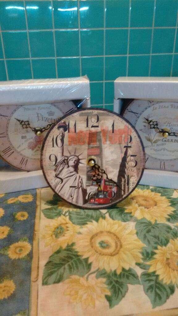 Reloj de Mesa Nuevo 0