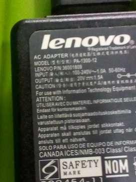Vendo Cargador Lenovo para por.tátil