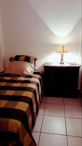 Habitaciones Renta - Alquiler Tulcán y Hurtado Centro de Guayaquil Cerca a Universidades