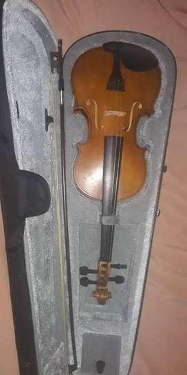 se vende Violin nuevo