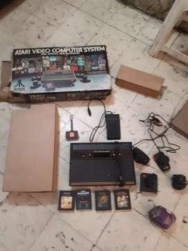 Atari en su caja original