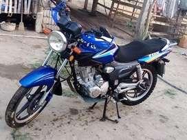 Vendo moto QMG EN BUEN ESTADO