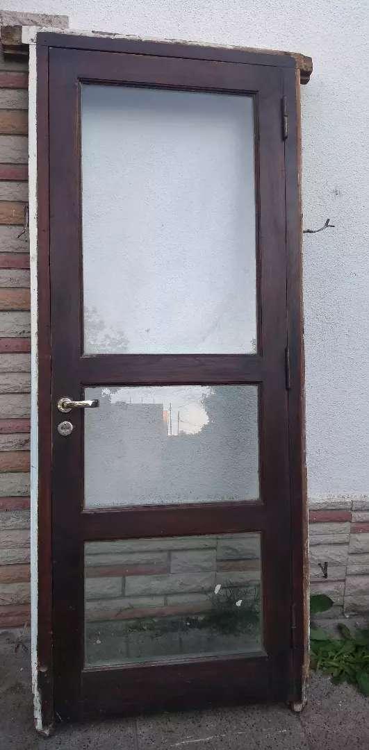 Vendo puerta de cedro 0