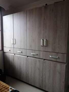 GANGA closet practicamente nuevo con 3 meses de uso