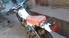Se vende moto maca honda xl 185