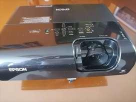 Video beam EPSON PowerLite S5 - Cómo nuevo