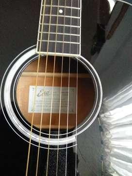 Guitarra tipo folk