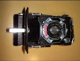 Antigua cámara fotográfica Fuelle con estuche . Kodac 1c032.