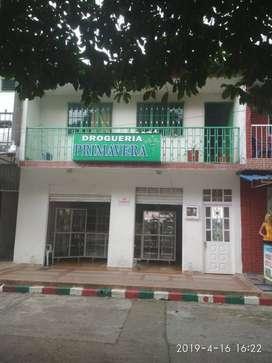 venta de casa de dos pisos ubicada en centro de lejanías - Meta