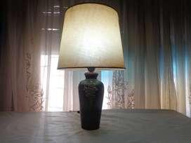 LAMPARA DE MESA TIPO JARRON