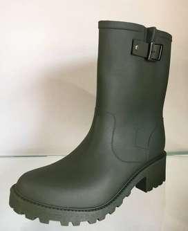 Llego la temporada de lluvia!! Botas pantaneras, perfectas para esta temporada️ Tallas de 35 a la 40