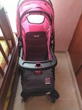 Venta de coche + cargador marca infanti
