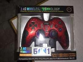 Vendo joystic de PC 6 en 1 inalámbrico nuevo y joystic de ps3 original