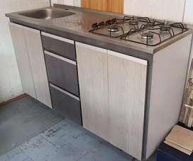 Cocina usada  gabinetes nuevos Challenger