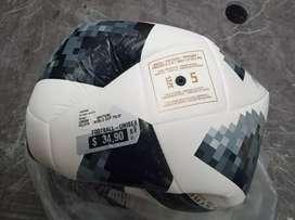 Balón marca adidas