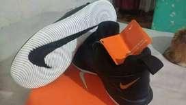 Zapatillas Nike talle 40 mod nuevo originales.