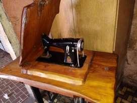 Vendo Maquina de Coser antigua