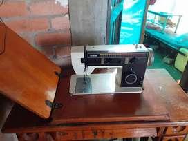 Vendo maquina de coser marca brother