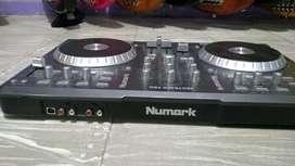 Controlador Dj Numark Mixtrack Pro USB