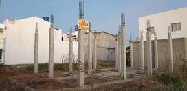 Se vende lote con columnas levantadas, excelent  ubicación