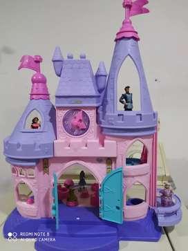 Castillo para niña con sus accesorios