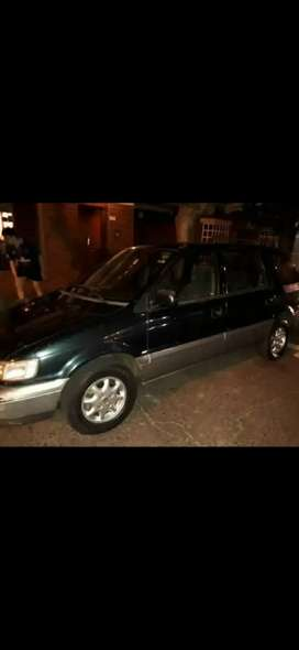 Vendo Hyundai Santamo (NO PERMUTO)