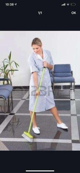 Busco empleada domestica medio tiempo Para quehaceres cocina limpieza general experiencia con niños