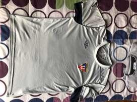 Camisetas Clasicas de LDU vendo o cambio
