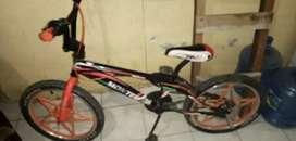 Vendo o cambio bici bmx  aro 20