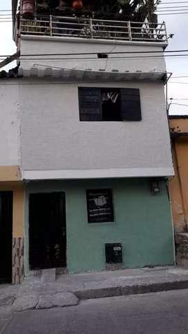 Vendo casa de 4 pisos en Chinchiná Caldas
