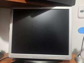 """Monitor 17"""" HP VGA economico"""