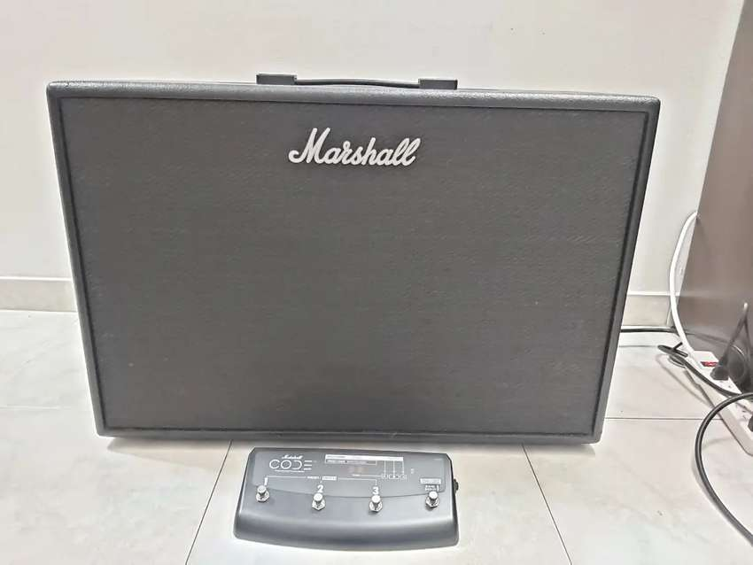 Marshall Code 100 + footswitch 0