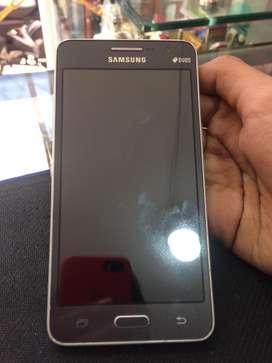 Se vende celular samsung Grand prime en buen estado.