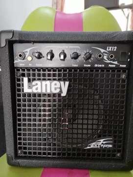 Amplificador para guitarra Laney Lx12 en muy buen estado.