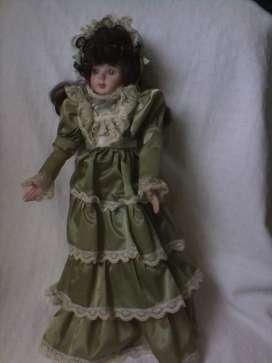 Muñeca porcelana coleccionable