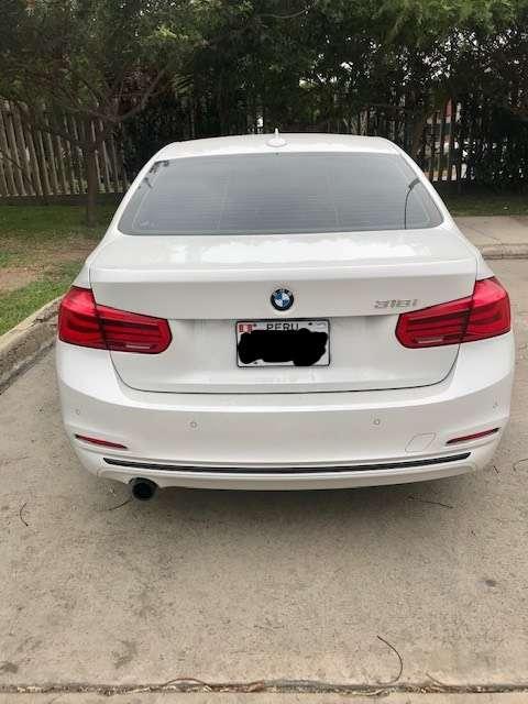 Vendo auto BMW 318 i, 2018, 43 muy bien conservado, mantenimientos en casa BMW, seguro contra todo riesgo hasta Oct-2021
