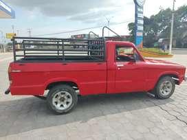 Se vende camioneta Mazda B1600