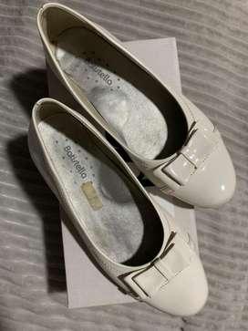Zapatos  balerinas crema 38