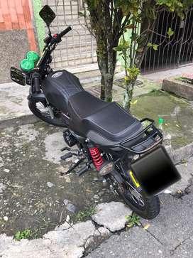 alquiló moto