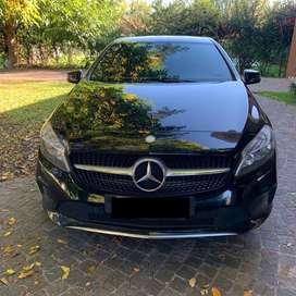 Mercedez Benz Clase A 1.6 A200 Urban 156cv AT (Automatico)