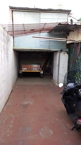Alquilo garaje semicubierto más deposito
