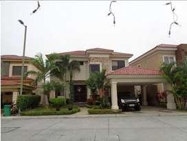 Casa en venta, Urb. Estancia del Rio, Sanborondon, Guayaquil R.J.