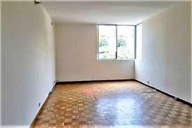Se Arrienda Apartamento en Patio Bonito por la Av el Poblado. COD PR 6825.